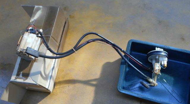 メルセデスベンツ C180 (W203)燃料ポンプ交換_c0267693_11193630.jpg