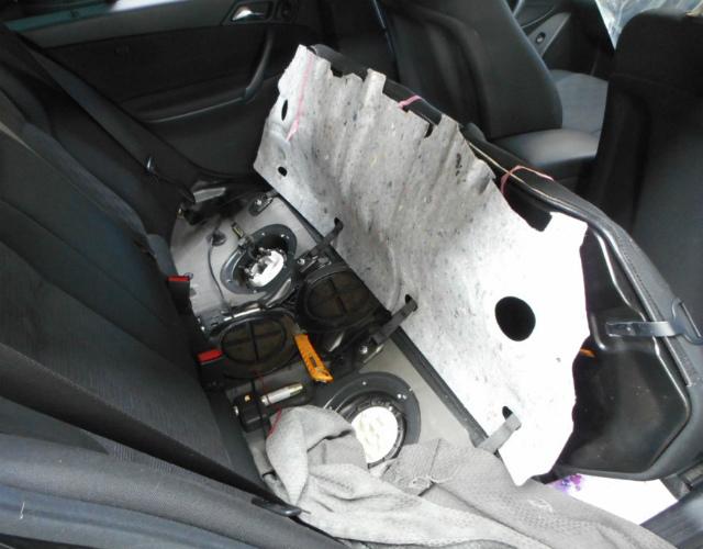 メルセデスベンツ C180 (W203)燃料ポンプ交換_c0267693_11193634.jpg