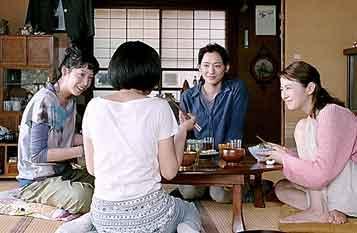 へんな広告  / 朝日新聞 プレミアシート「海街 diary」_b0003330_155054.jpg
