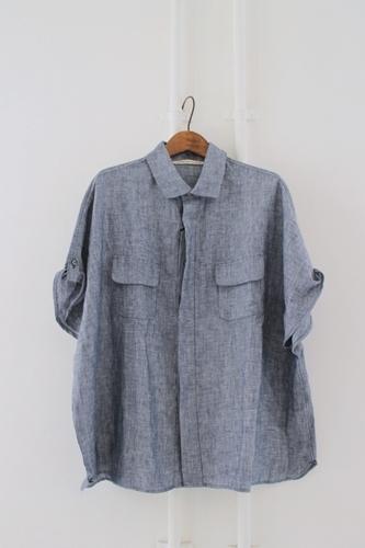 丸襟のリネンシャツ。_e0247148_19345341.jpg