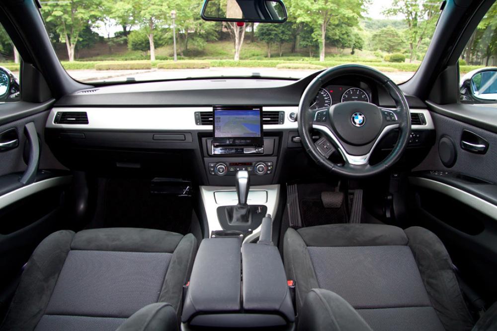 BMW 323i Msport カスタム 入庫しました。_c0317377_17412751.jpg