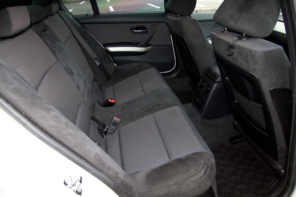 BMW 323i Msport カスタム 入庫しました。_c0317377_17421223.jpg