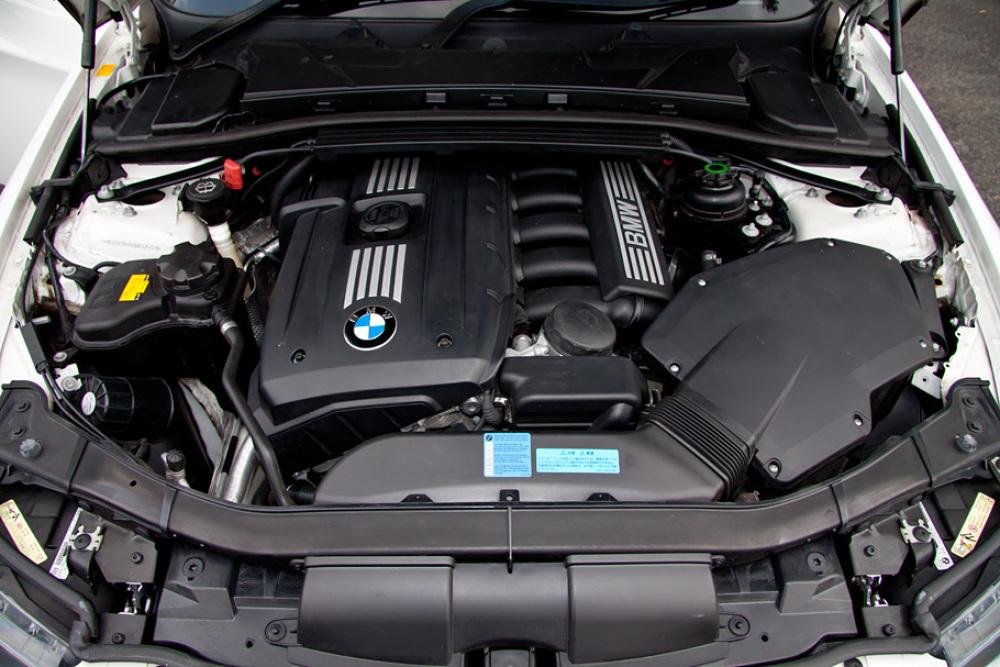 BMW 323i Msport カスタム 入庫しました。_c0317377_17430375.jpg