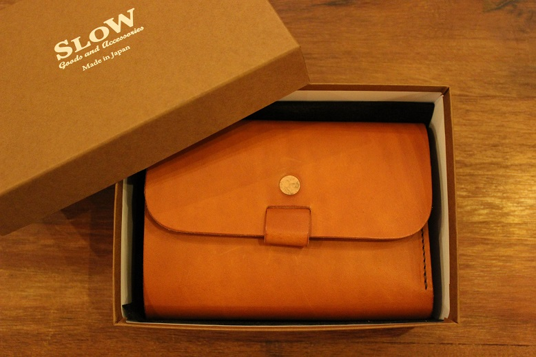 "SLOW ""toscana -flap hold wallet- \"" ご紹介 _f0191324_9415011.jpg"