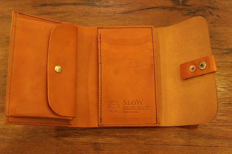 "SLOW ""toscana -flap hold wallet- \"" ご紹介 _f0191324_9415790.jpg"