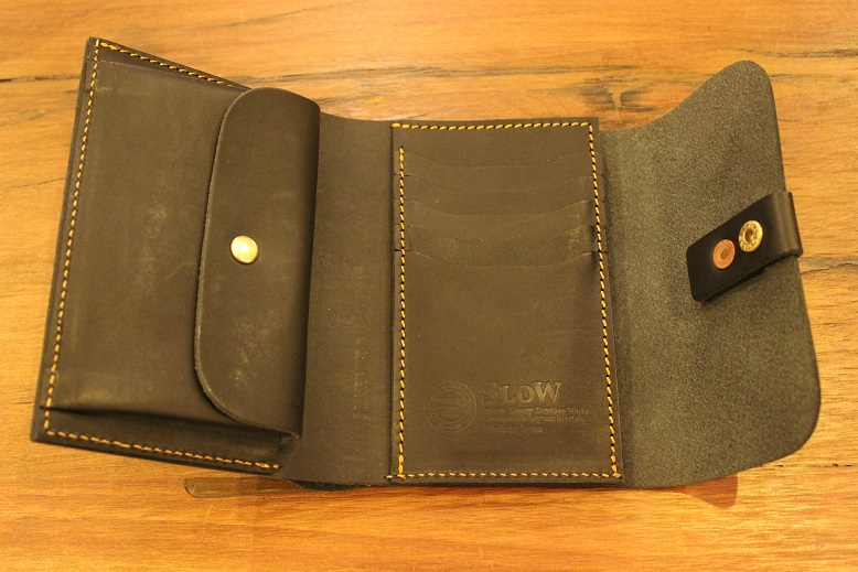 "SLOW ""toscana -flap hold wallet- \"" ご紹介 _f0191324_9424276.jpg"