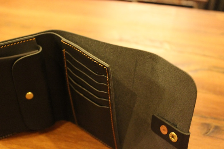 "SLOW ""toscana -flap hold wallet- \"" ご紹介 _f0191324_9424945.jpg"