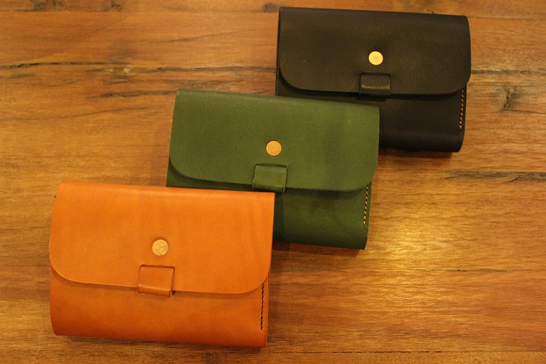 "SLOW ""toscana -flap hold wallet- \"" ご紹介 _f0191324_9485687.jpg"