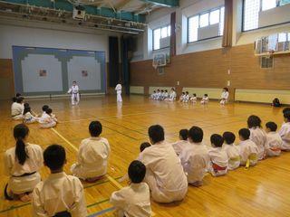 日曜空手 新琴似・新川教室_c0118332_13284686.jpg