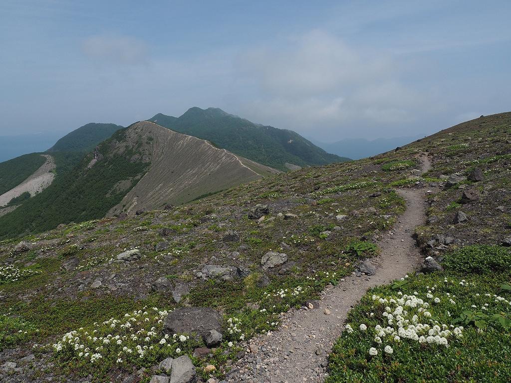樽前山と風不死岳、6月26日_f0138096_1357876.jpg