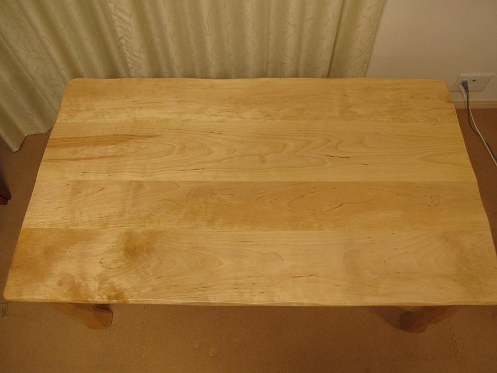 低めのテーブルW1300×D750×H600と下枠付き天板W900×D450×H44_e0072513_13005487.jpg