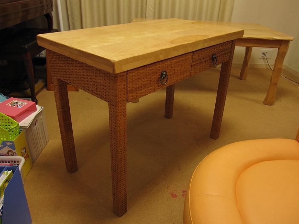 低めのテーブルW1300×D750×H600と下枠付き天板W900×D450×H44_e0072513_13030259.jpg