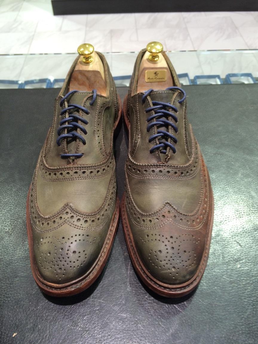 珍しい色の靴の手入れは無色クリームに限る!_b0226322_18124370.jpg