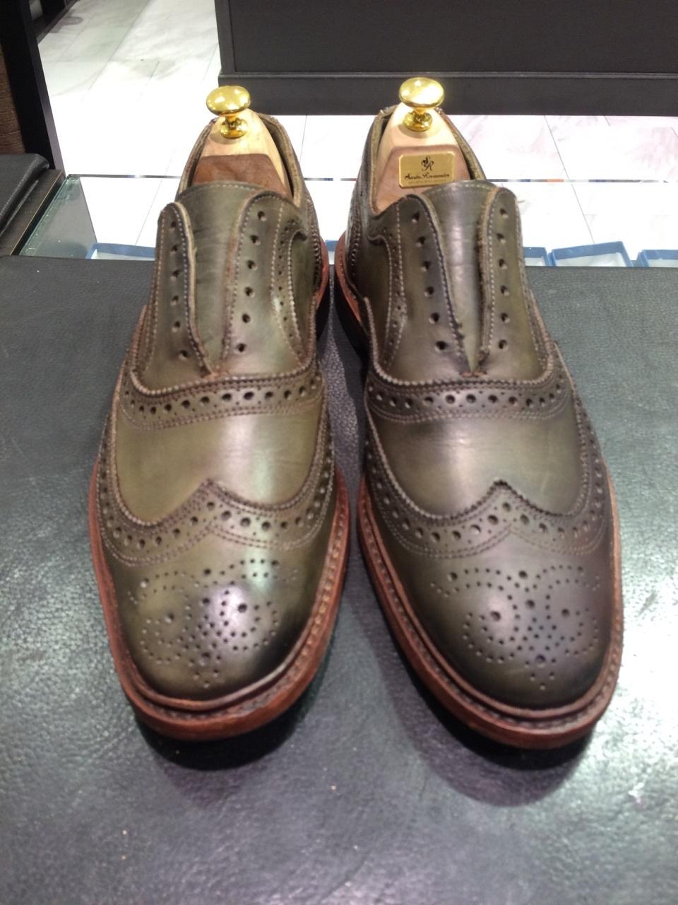 珍しい色の靴の手入れは無色クリームに限る!_b0226322_18124568.jpg