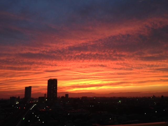 《空と雲》夕暮れ時のキャンバス~次から次へ~_b0298740_11540036.jpg