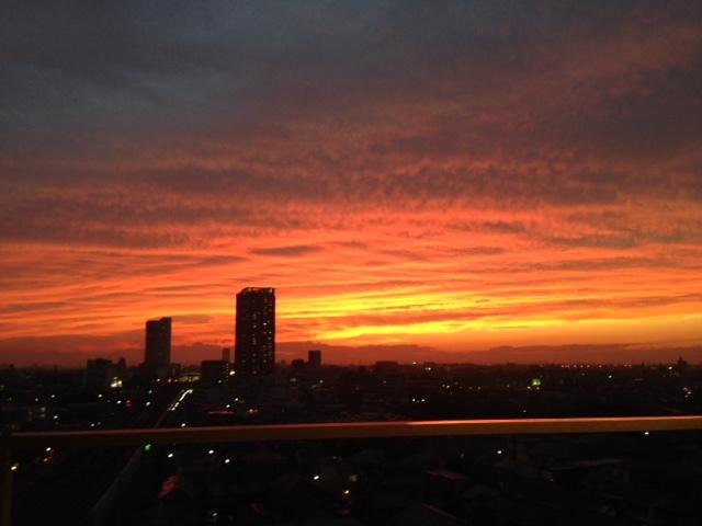 《空と雲》夕暮れ時のキャンバス~次から次へ~_b0298740_11540776.jpg