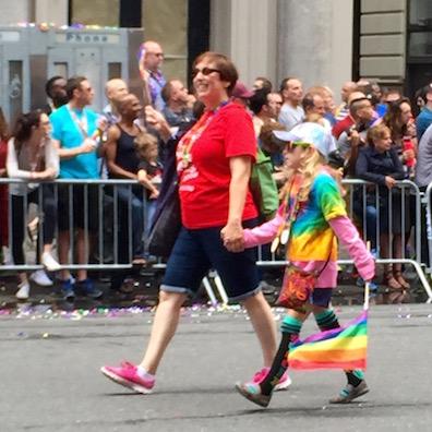 NYでゲイ・プライド・パレード2015、虹色のお祝いムードに!_c0050387_14332852.jpg