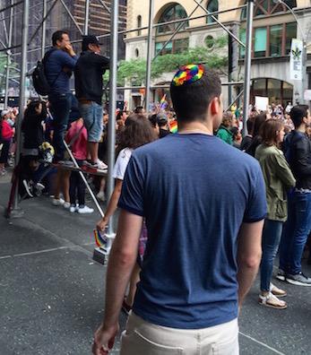NYでゲイ・プライド・パレード2015、虹色のお祝いムードに!_c0050387_14351222.jpg