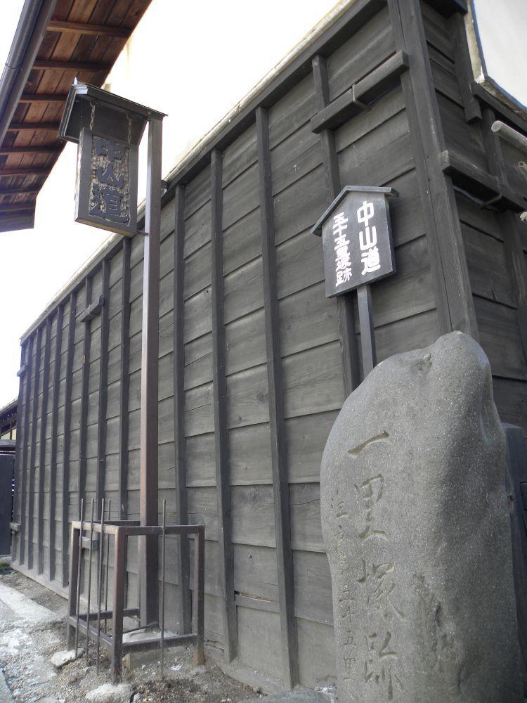 諏訪大社・春宮周辺の散歩_b0329588_18052118.jpg