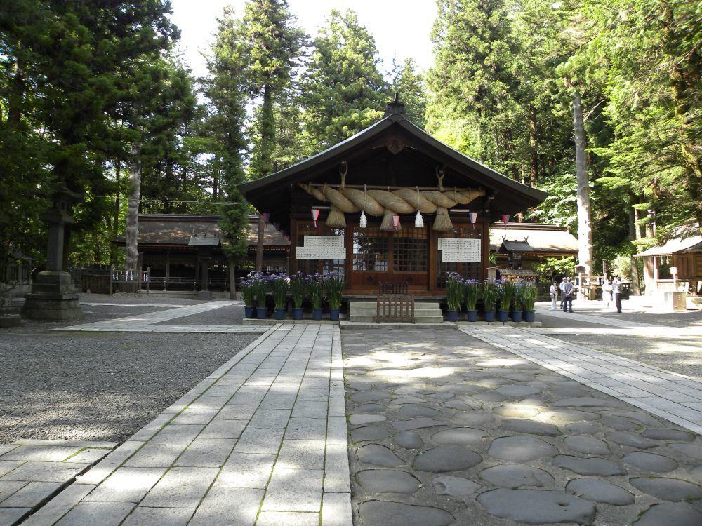 諏訪大社・春宮周辺の散歩_b0329588_18064892.jpg