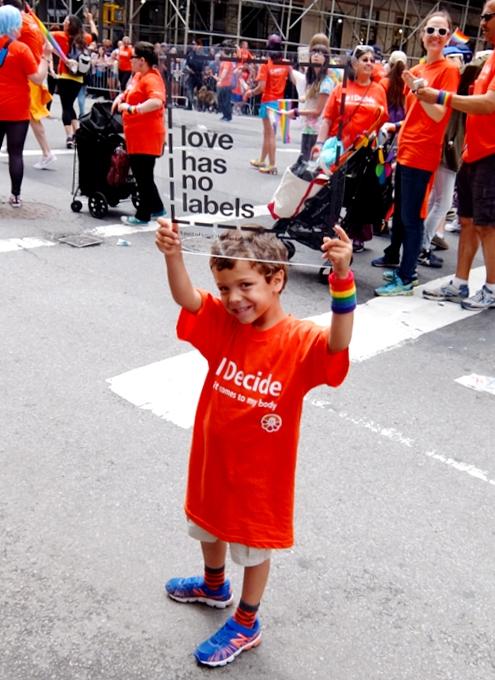 NYのゲイ・プライド・パレードに子ども達もいっぱい参加してる理由_b0007805_12492797.jpg