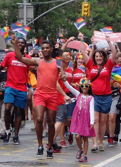 NYのゲイ・プライド・パレードに子ども達もいっぱい参加してる理由_b0007805_1365995.jpg