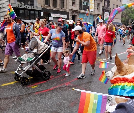 NYのゲイ・プライド・パレードに子ども達もいっぱい参加してる理由_b0007805_1371259.jpg
