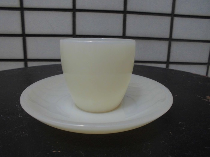 40\'s 50\'s Fire King Demitasse Cup&Saucer + 明日は、店休日_e0187362_14401656.jpg