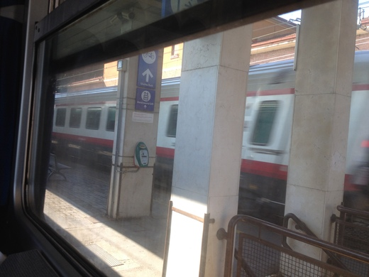 イタリアの車窓から フィレンツェ―リミニ間_a0136671_11205110.jpg