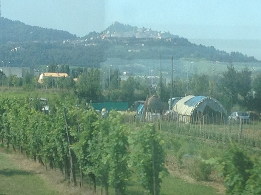 イタリアの車窓から フィレンツェ―リミニ間_a0136671_11254195.jpg