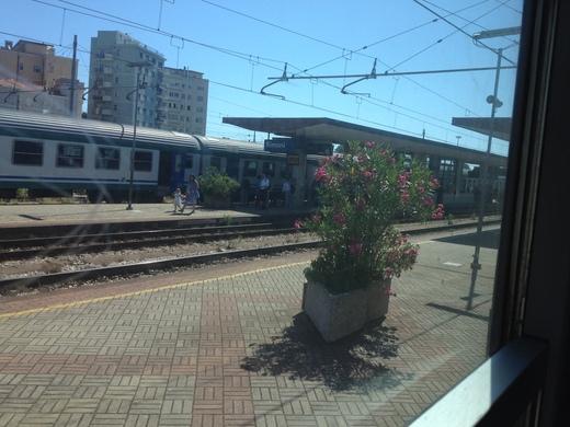 イタリアの車窓から フィレンツェ―リミニ間_a0136671_11274470.jpg