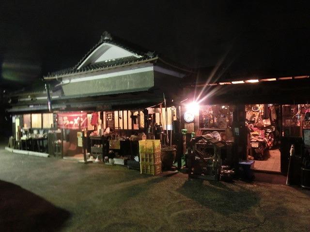 梅雨の晴れ間に小潤井川で草刈り 夜の払いはいつもの「ホルモン忠ちゃん」_f0141310_7292753.jpg