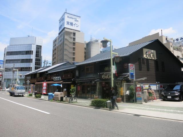 名駅3丁目の木造建築_f0016320_17531749.jpg