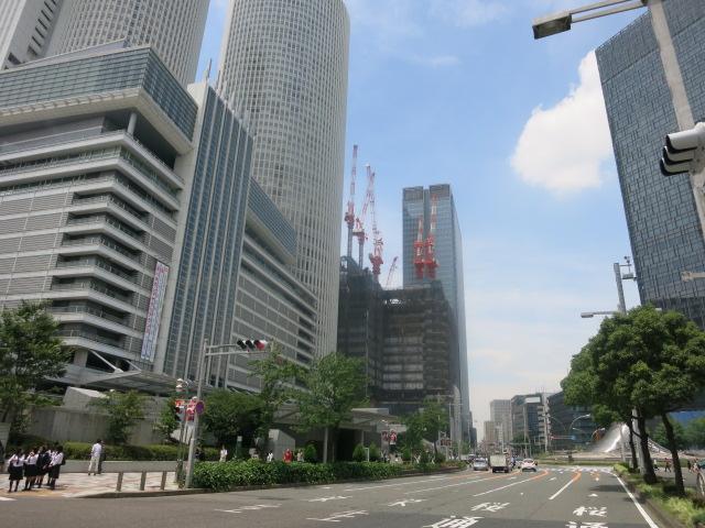 名駅3丁目の木造建築_f0016320_17545225.jpg