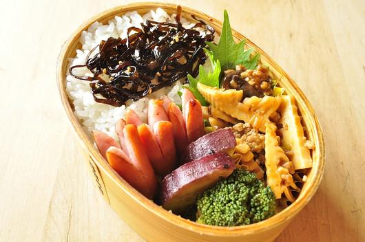 肉味噌タケノコ弁当_b0171098_754583.jpg