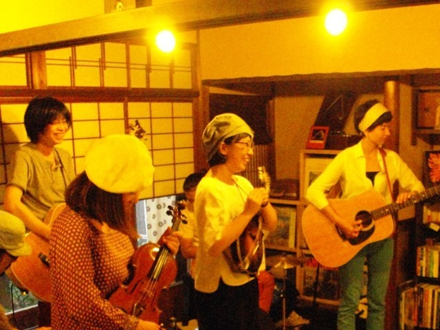 Pirates Canoe Summer Tour 2015.7.4 HiFi Cafe 終了!_e0230141_20440919.jpg