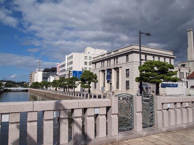 旧日本銀行松江支店(カラコロ工房)_f0116479_16090962.jpg
