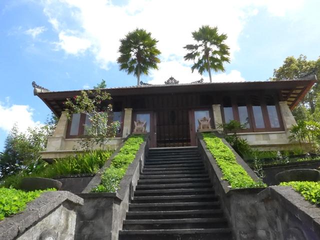 バリ島へ行く。⑧ ~ハイビスカスシャンプーを作る~_f0232060_176382.jpg