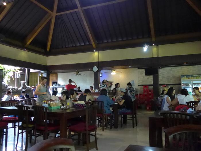 バリ島へ行く。⑪ ~バリ地元料理バビグリンを食す~_f0232060_21552548.jpg