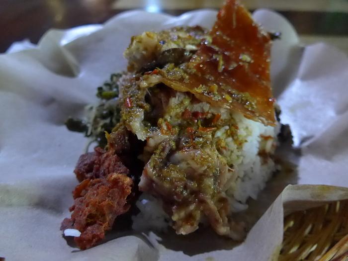 バリ島へ行く。⑪ ~バリ地元料理バビグリンを食す~_f0232060_2157269.jpg