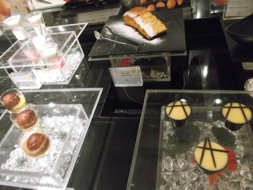 ウェスティンホテル東京 ザ・テラス トロピカルフルーツ&ワールドデザートブッフェ_f0076001_2321360.jpg