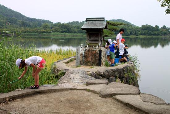 広沢の池 ザリガニ釣り_e0048413_21353830.jpg