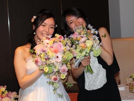 新郎新婦様からのメール 春の装花と春のブーケ サンス・エ・サヴール様へ_a0042928_22311931.jpg