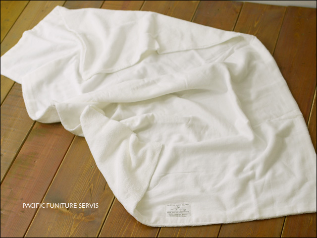 PACIFIC FURNITURE SERVICE[パシフィックファニチャーサービス] HOSPITAL LINEN BLANKET HARF [TWH0004] _f0051306_16574760.jpg