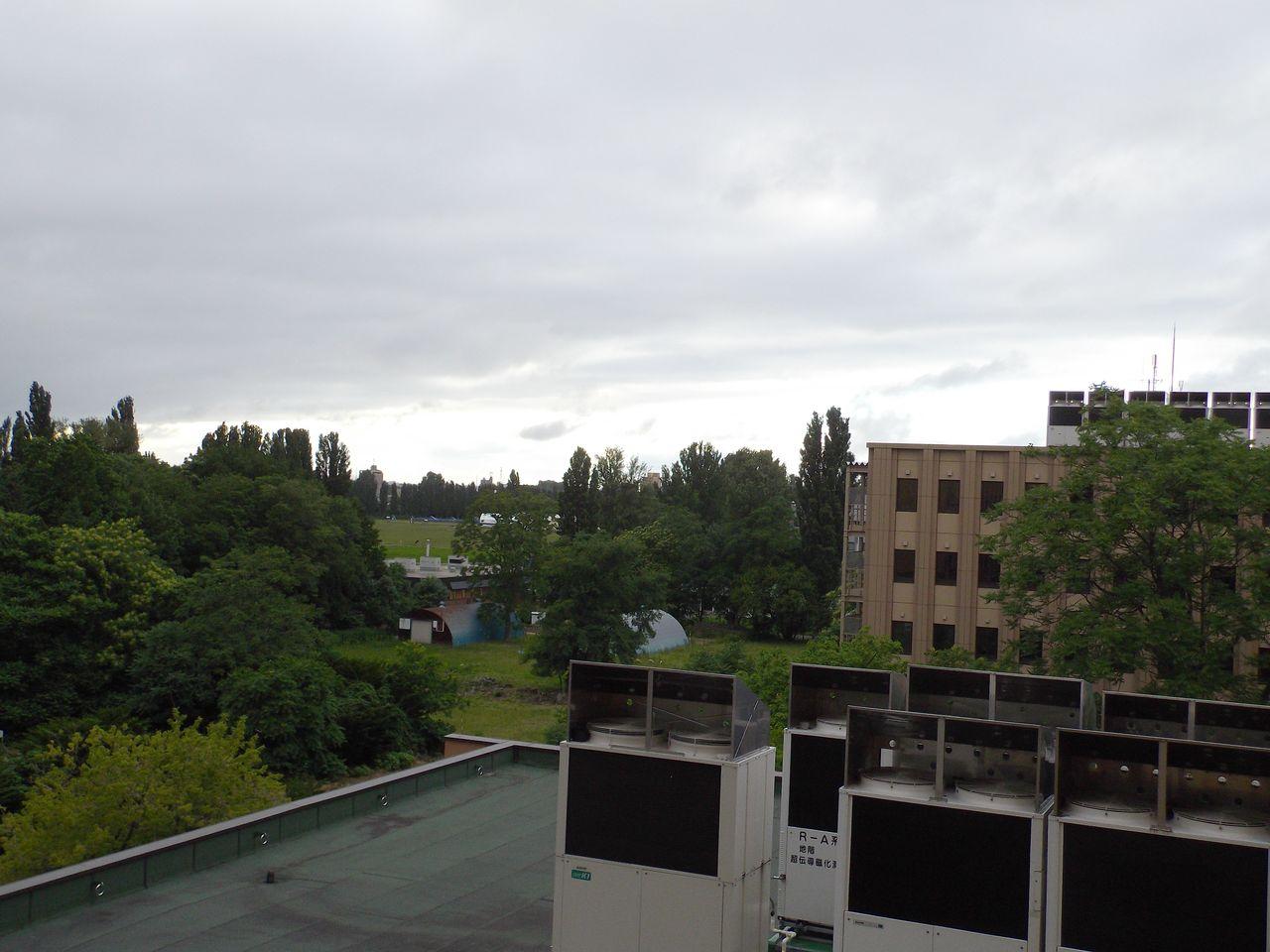 変な天気の7月7日_c0025115_1830113.jpg