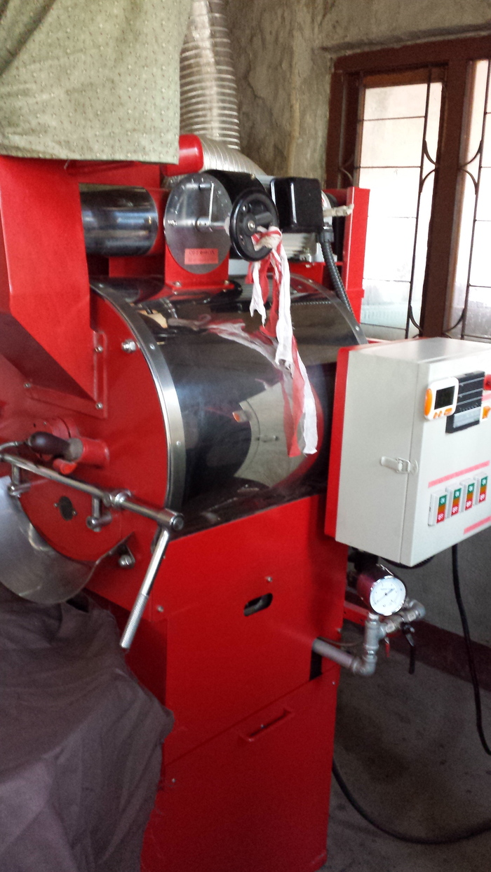 エベレスト・コーヒーの焙煎工場_e0155231_12503046.jpg