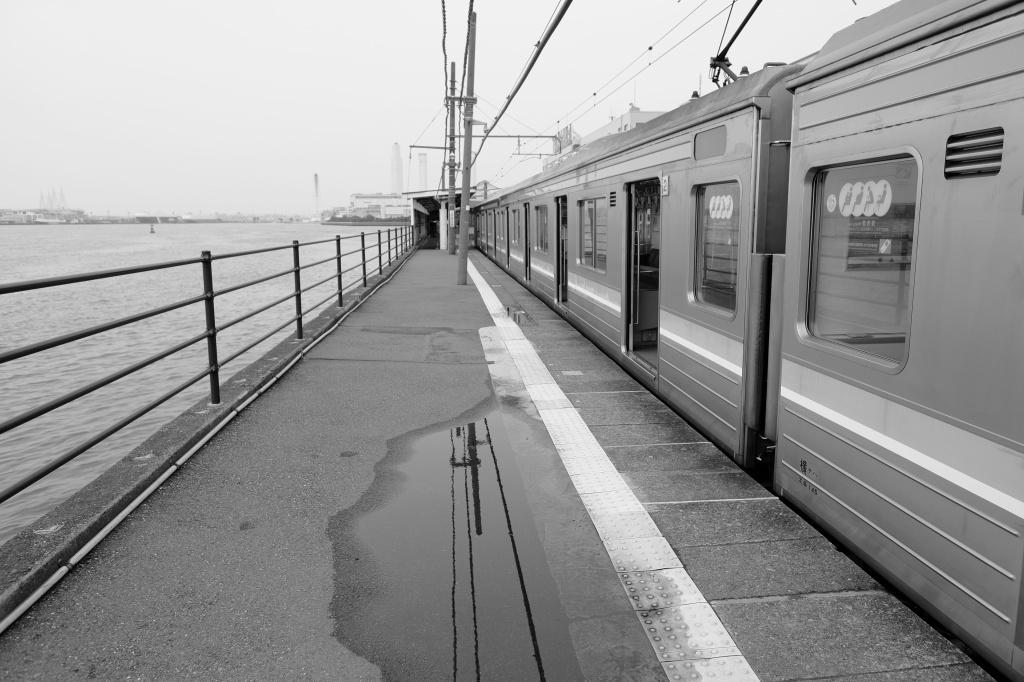 鶴見線・海芝浦駅_f0050534_06462089.jpg