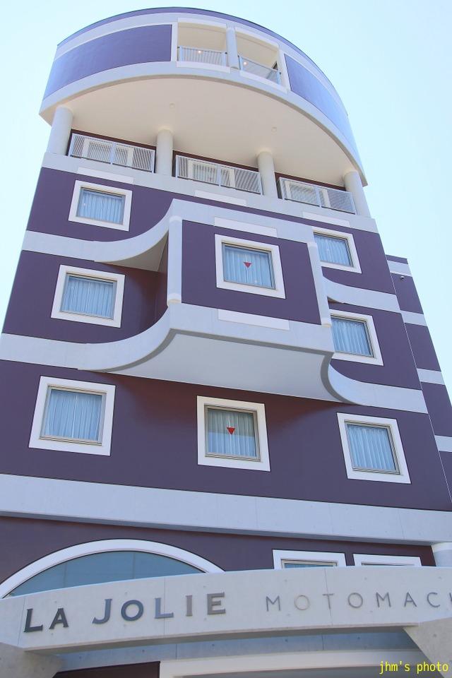 十字街にラグジュアリーなホテルがオープン!_a0158797_0182455.jpg