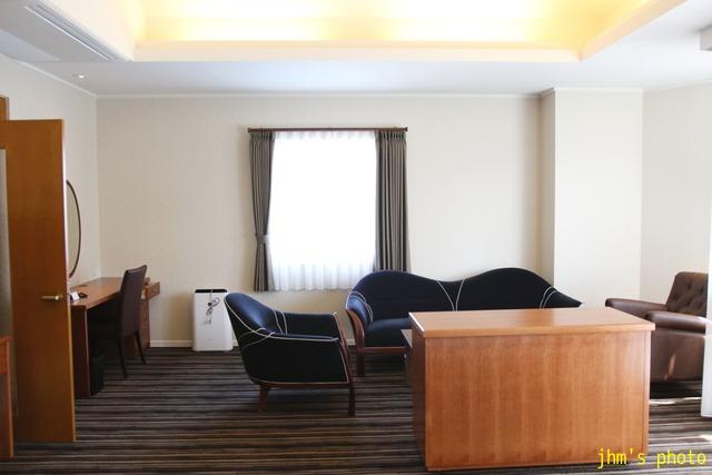 十字街にラグジュアリーなホテルがオープン!_a0158797_0263957.jpg