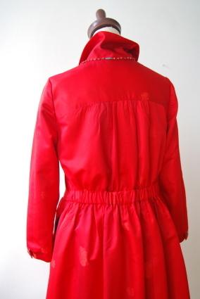 着物リメイク・雨コートから真っ赤な女優コート_d0127925_16550492.jpg